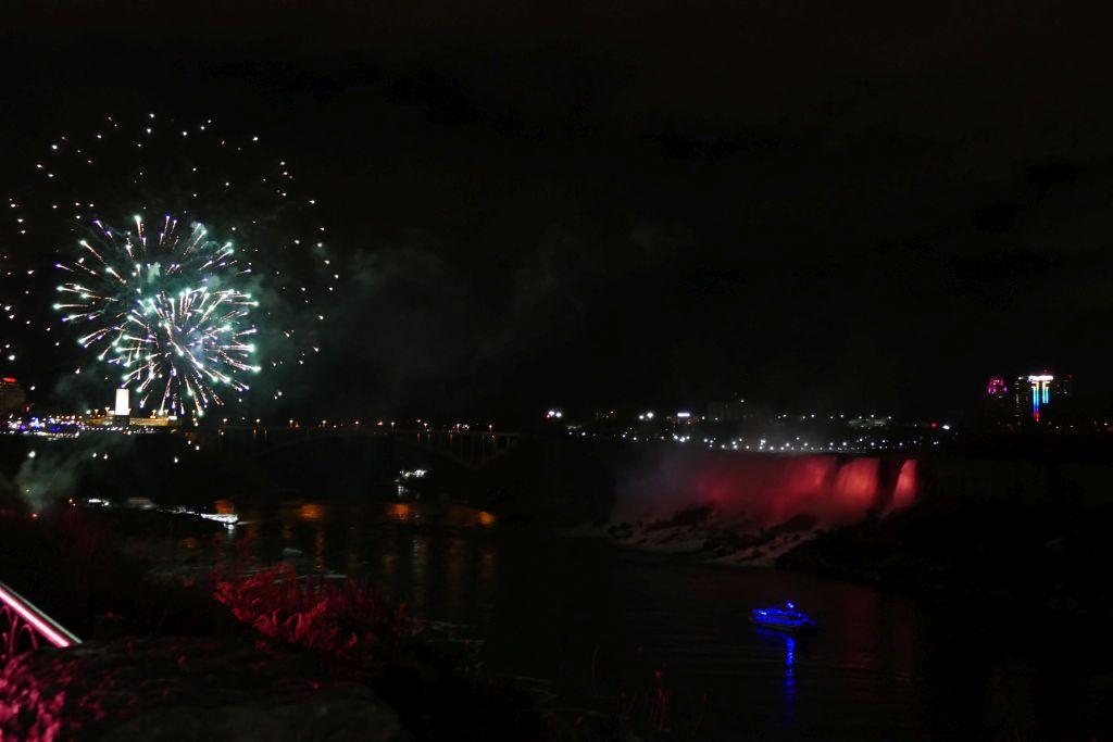 Feuerwerk Niagarafalls 1