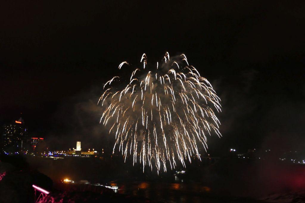 Feuerwerk Niagarafalls 5