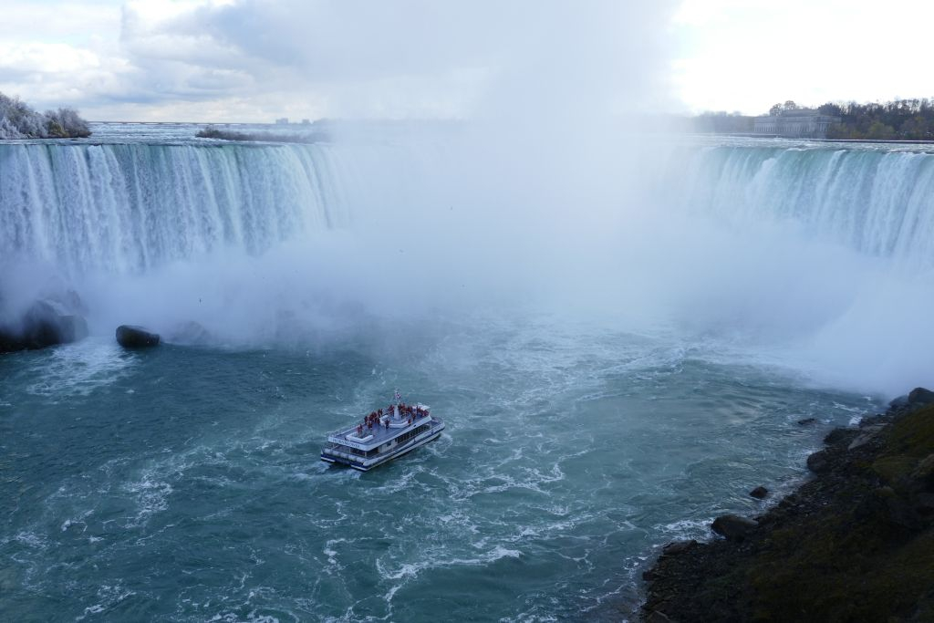 Niagara Fall mit Maid of the Mist