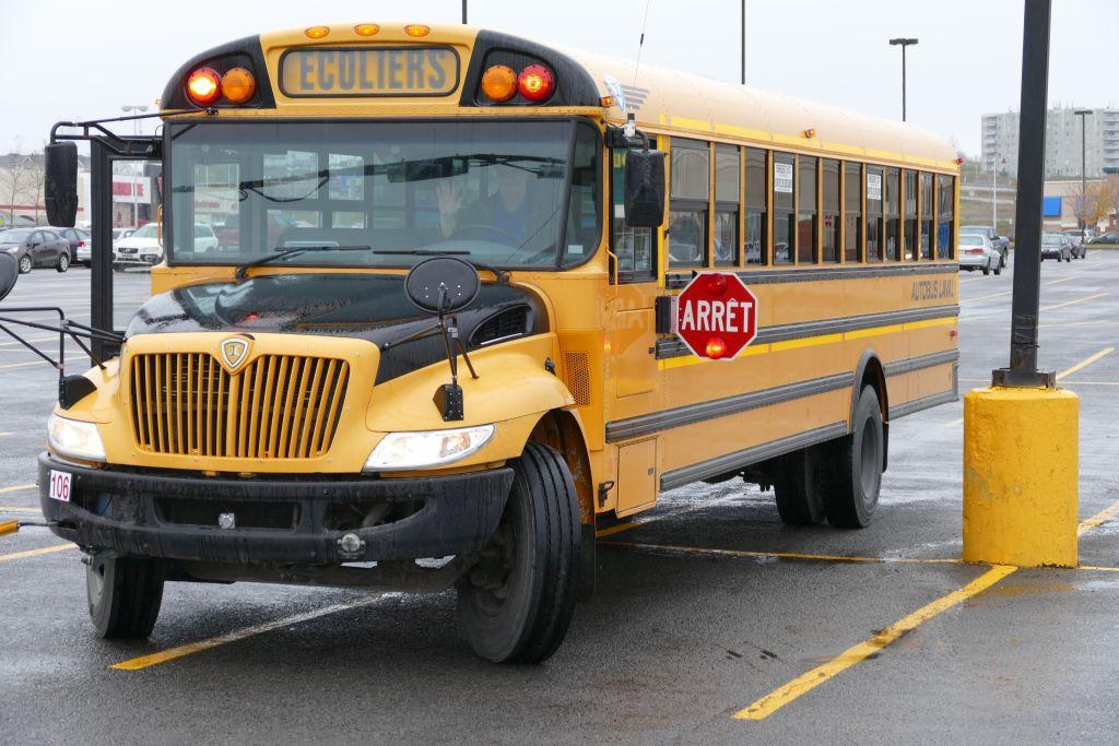 Schulbus 3