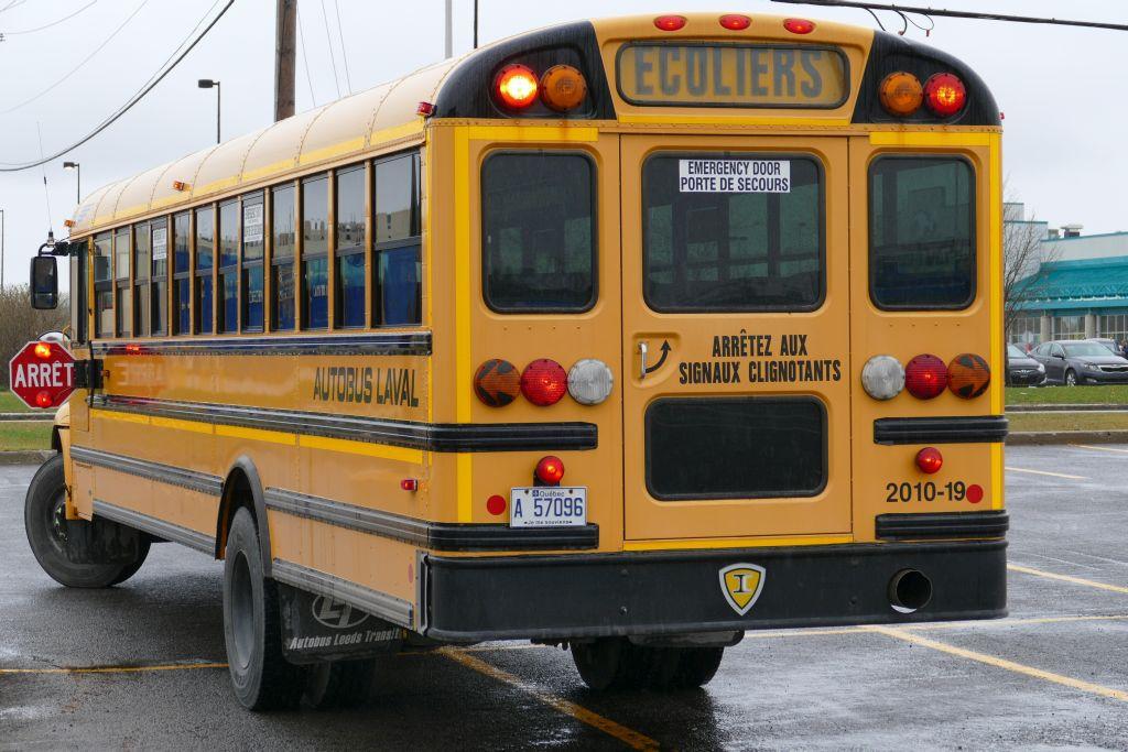 Schulbus 4