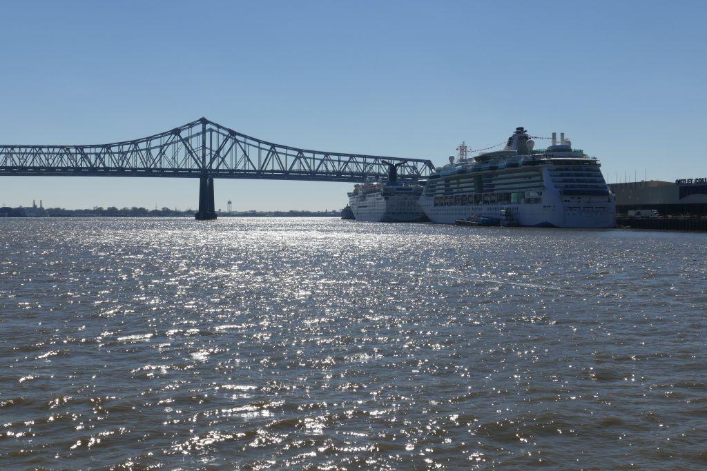 Kreuzfahrschiff in New Orleans
