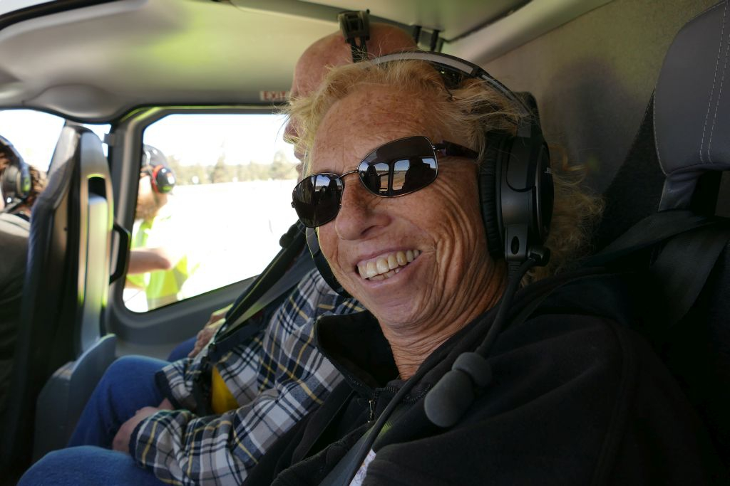 Esther freut sich auf den Helikopterflug.jpg