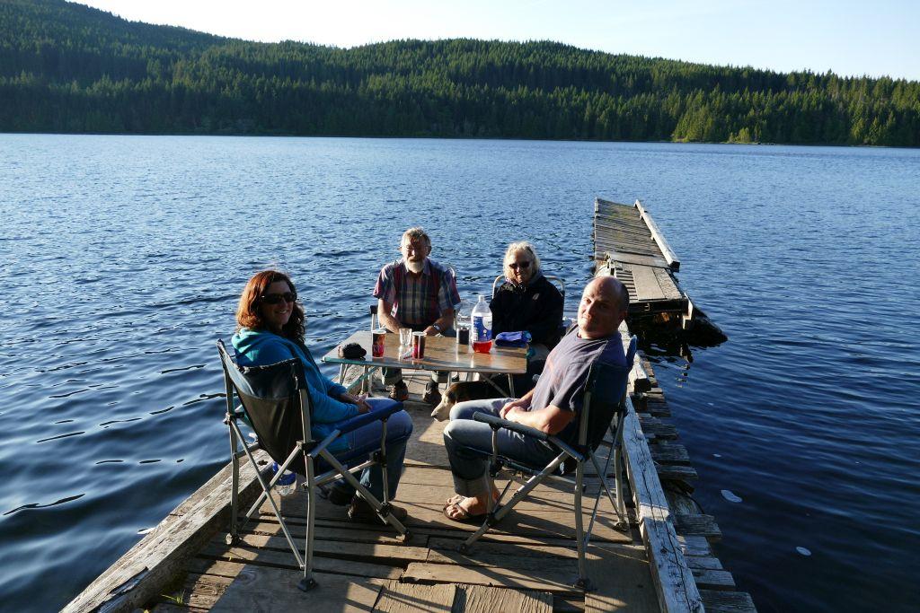 Abendessen am Muhan Lake
