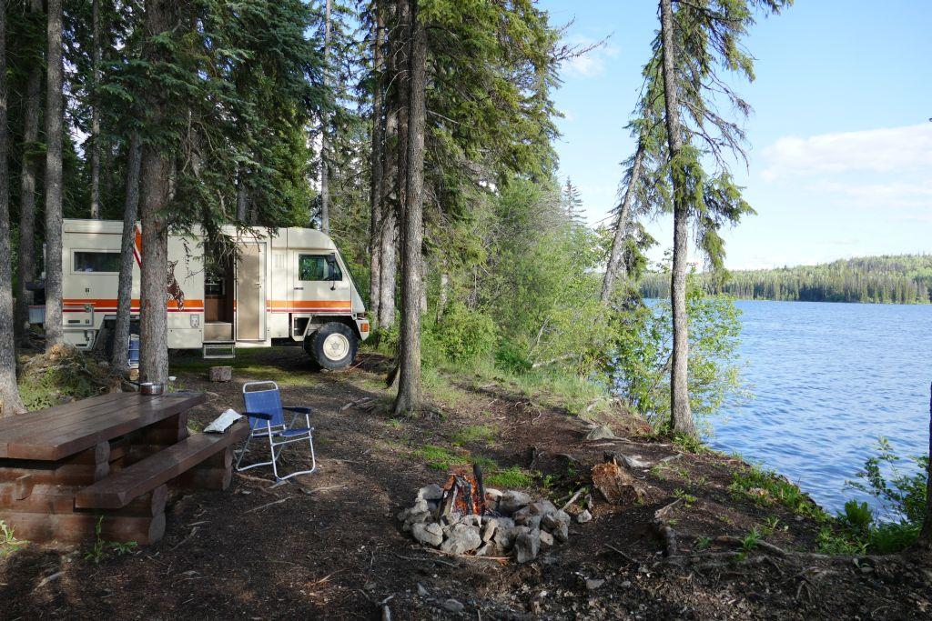 Free Crystal Lake, N 51° 27.493'  W 120° 45.531'
