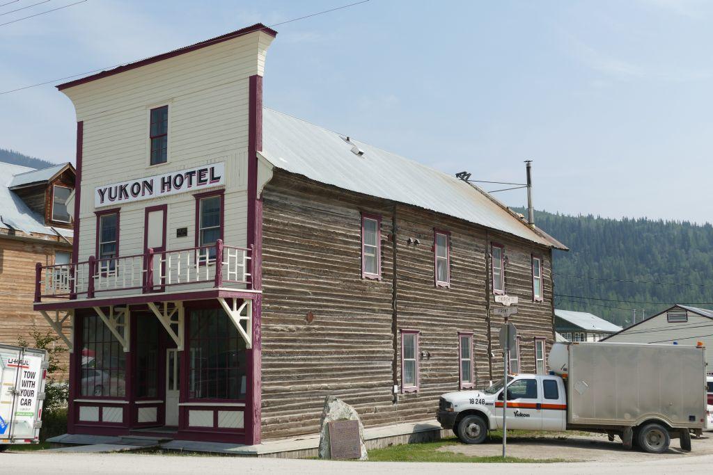 Dawson City Hotel