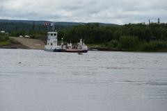 Fähre über den Peel River
