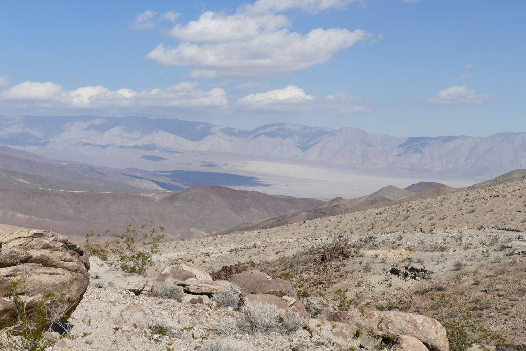 Berge am Rand von Death Valley 3