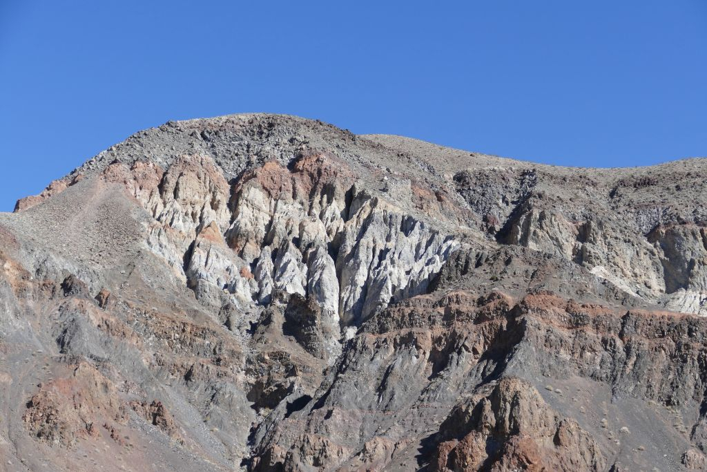 Berge am Rand von Death Valley 4