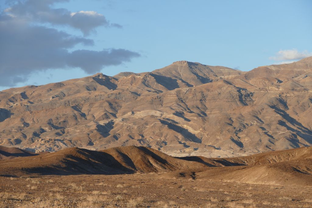 Berge am Rand von Death Valley 6