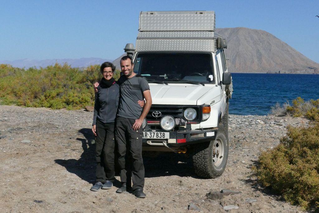 Kathrin und Ueli mit Landcruiser