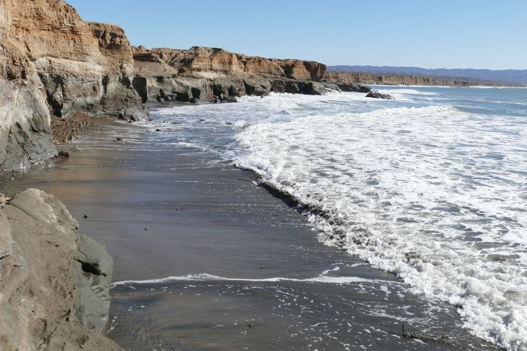 Punta Baja Steilküste 2