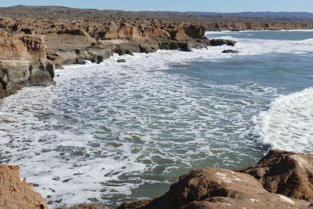 Punta Baja Steilküste