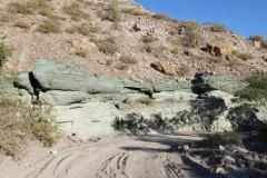 Grüne und rosa Felsen 1