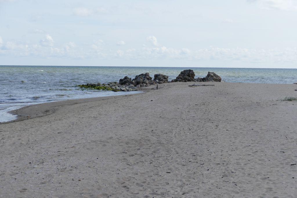 rechts Rigaer Bucht links Baltisches Meer