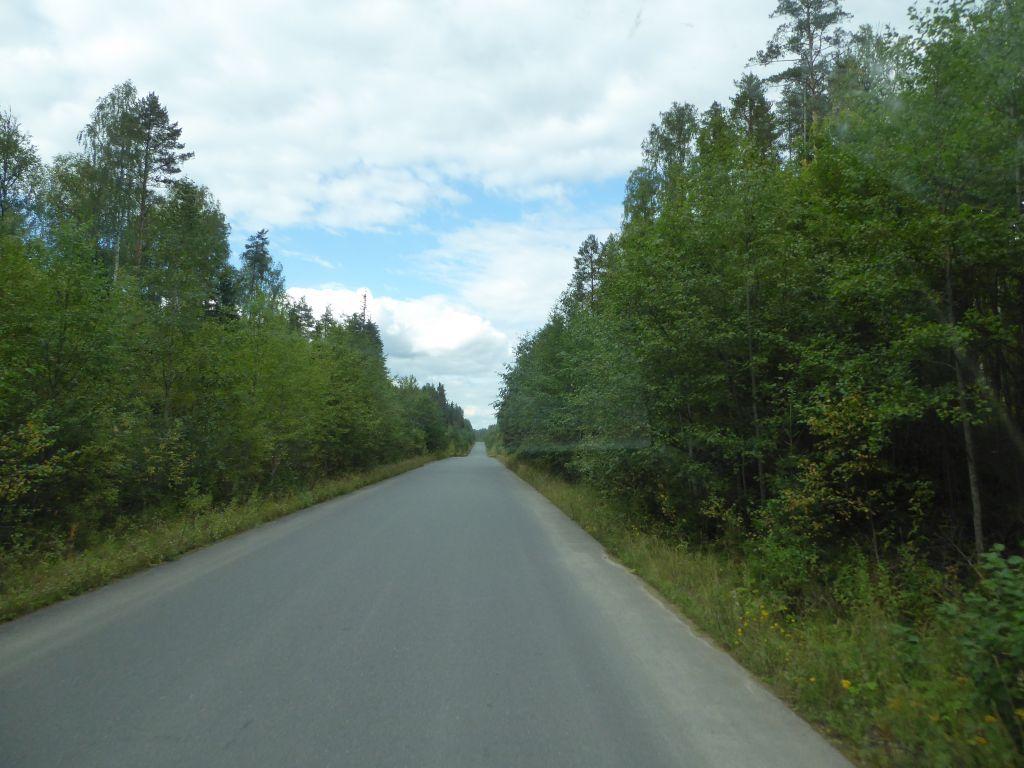 wir sind in Karelien mit einer neuen Teerstrasse aber nur für ca 40 km