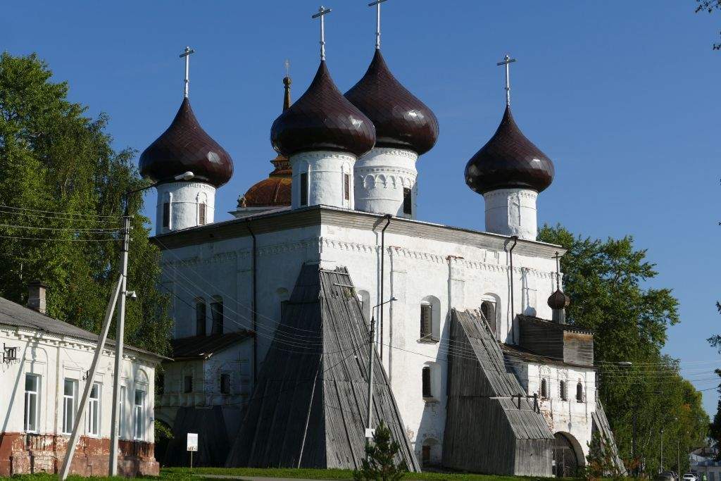 Kargopol Kirche
